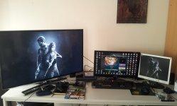home_desk.jpg