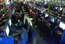 chinese-youth-internet-cafe-addiction.jpg